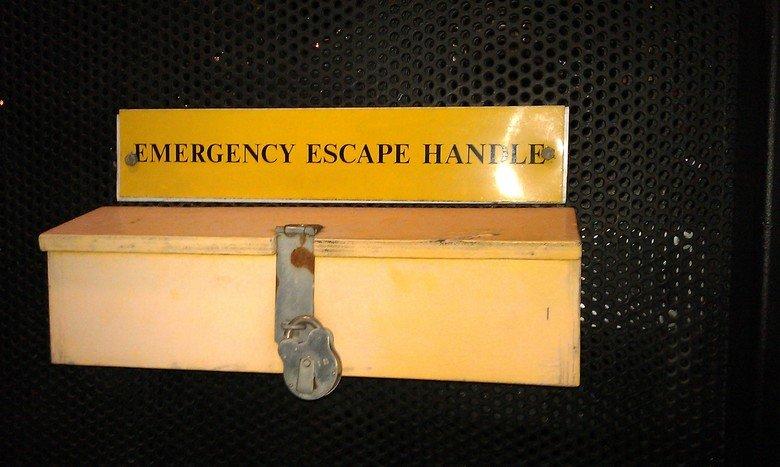 Genius. Emergency handle? Let's put a padlock on it!. Genius Emergency handle? Let's put a padlock on it!