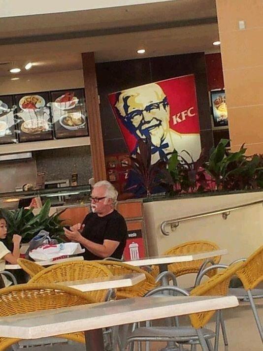 KFC. yeah.. KFC around where I live has closed down. :( KFC yeah around where I live has closed down :(