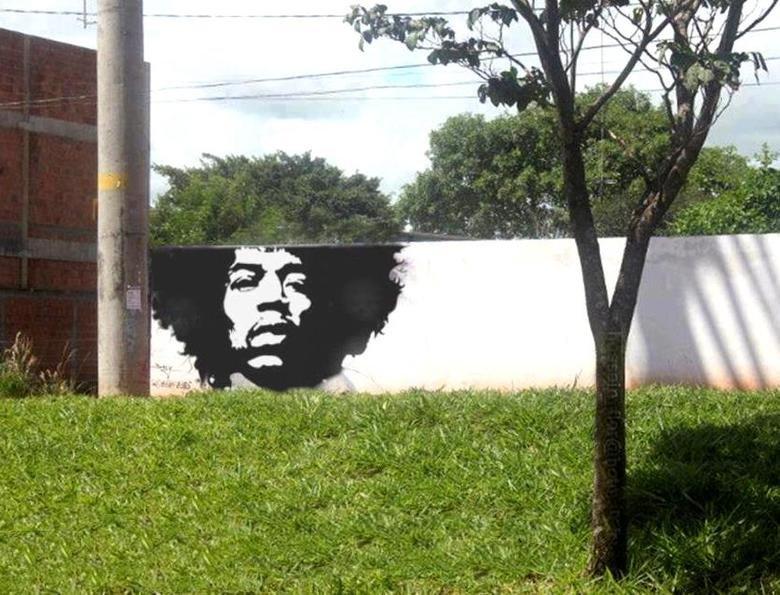 Street art done right. Hahahahahahahahahaha.... Jimi Hedgerix.. I like this! fj rpg sucks