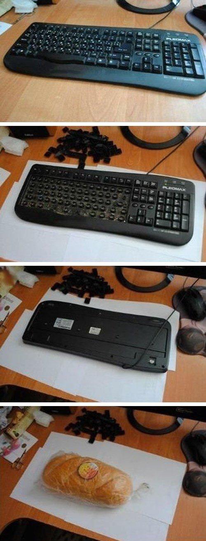clean ur keyboard. . clean ur keyboard