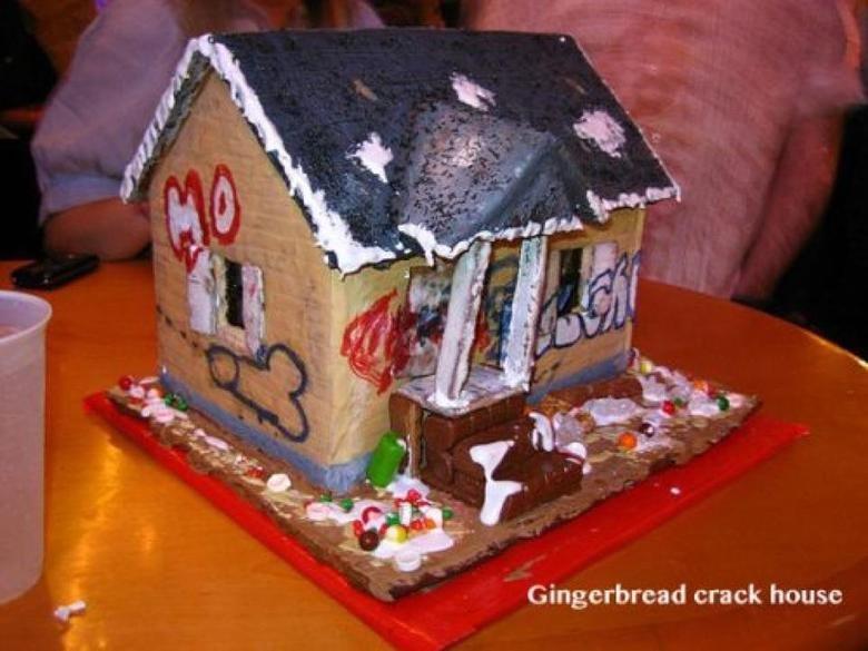 Gingerbread House. . Gingerbread crack. house Gingerbread House crack house
