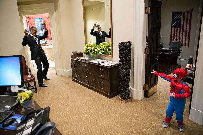 Obama Vs Spider-Man. . Obama Vs Spider-Man