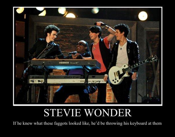Stevie Wonder. lol. STEVIE WONDER. dudes blind. not deaf stevie wonder funny jonas brothers suck lol